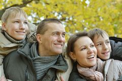 lycklig härlig familj Royaltyfri Fotografi