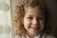 lycklig härlig flicka little Royaltyfri Bild