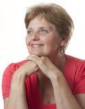 Lycklig hög kvinna - över gammala sextio år Royaltyfri Fotografi