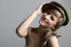 lycklig hatttonåring Royaltyfria Bilder