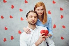 lycklig hjärtared för par valentin för dag s arkivbild