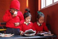 lycklig home skola Arkivbild