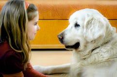 lycklig hundflicka henne royaltyfria bilder