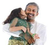 lycklig indier för dotterfader royaltyfri bild