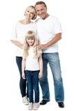 lycklig isolerad white för familj Royaltyfri Foto