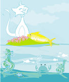 Lycklig katt med den guld- fisken Royaltyfria Foton