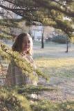 lycklig kvinna för höst Fotografering för Bildbyråer