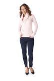 Lycklig kvinna i den i naturlig storlek varma sweatern Arkivbilder