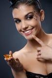 Lycklig kvinna med ädelstenen Royaltyfria Bilder