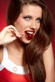 Lycklig kvinna med Cherry arkivfoton