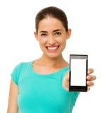 Lycklig kvinnaadvertizingSmart telefon Royaltyfria Bilder