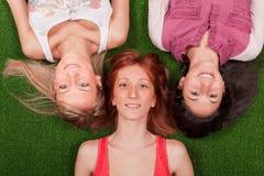 lycklig kvinnliggrupp Arkivfoton
