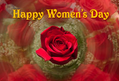 Lycklig kvinnors dagbakgrund med den röda rosen Arkivbild