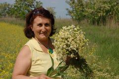 lycklig ladypensionär Arkivbild