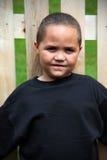 lycklig latino för pojke arkivbild