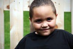 lycklig latino för pojke arkivbilder