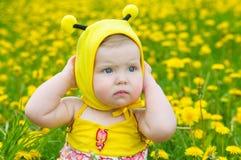 lycklig liten äng för flicka Fotografering för Bildbyråer