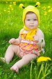 lycklig liten äng för flicka Royaltyfri Fotografi