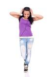 lycklig lyssnande musik som är teen till Royaltyfri Bild