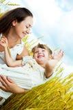 lycklig moder för dotter Royaltyfri Foto