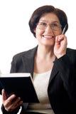 lycklig mogen kvinna för affär Arkivfoto