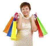 lycklig mogen shoppare Royaltyfri Bild