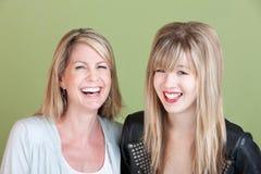 Lycklig Mom och dotter Arkivfoton