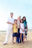 Lycklig muslimfamilj Arkivbild