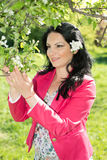 lycklig naturkvinna Royaltyfri Bild