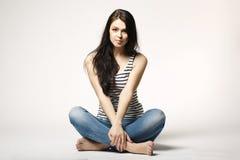 Lycklig och bekymmerslös tonårs- flicka Royaltyfri Fotografi