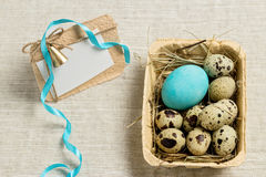 Lycklig påsk! Tappningstil vykort Garneringen av påsken Fotografering för Bildbyråer