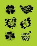 Lycklig Patricks daguppsättning av emblem Logoer för irländsk grungeferie Arkivfoto