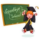 lycklig pojke mycket Avlägga examen i kappa och med ett diplom i hand Royaltyfria Bilder