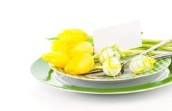 Lycklig påsk, inställning för easter tabellställe, Arkivbilder