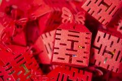 Lycklig röd kinesisk dubblett royaltyfria foton