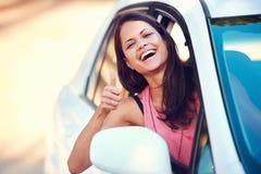 Lycklig Roadtrip kvinna Arkivfoton