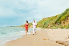 lycklig running för par Royaltyfri Fotografi
