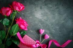 lycklig s valentin för dag Lyckönsknings- bakgrund vid dag för St-valentin` s Arkivfoton