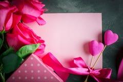 lycklig s valentin för dag Lyckönsknings- bakgrund vid dag för St-valentin` s Arkivbilder