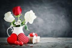 lycklig s valentin för dag Lyckönsknings- bakgrund vid dag för St-valentin` s Arkivfoto