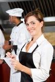 lycklig servitris Royaltyfri Fotografi