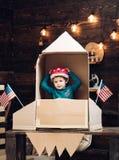 Lycklig självständighetsdagen av USA Utbildnings- och ungeidéutveckling Lopp och affärsföretag brown räknad dagjord som miljölövv Royaltyfri Fotografi