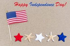 Lycklig självständighetsdagenUSA bakgrund med amerikanska flaggan, stjärnor Royaltyfri Fotografi
