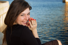 lycklig skratta kvinna Arkivbilder