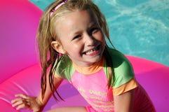 lycklig sommar för flicka Arkivbilder