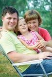 lycklig sommartid för familj Arkivfoto