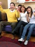 lycklig stående för familj Arkivfoton