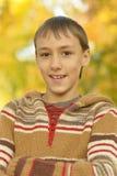 lycklig stående för pojke Royaltyfria Foton