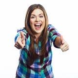 lycklig ståendekvinna le för flicka Vit bakgrund Arkivbilder