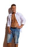 Lycklig stilig passformmodellIn White Unbuttoned skjorta Arkivfoto